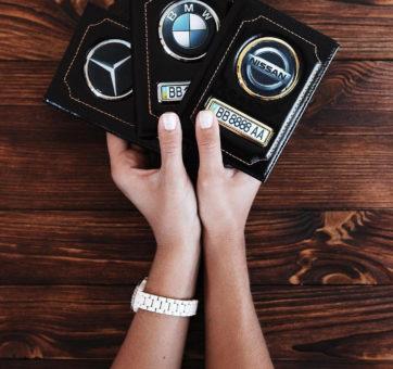 Автообложка с номером и логотипом авто